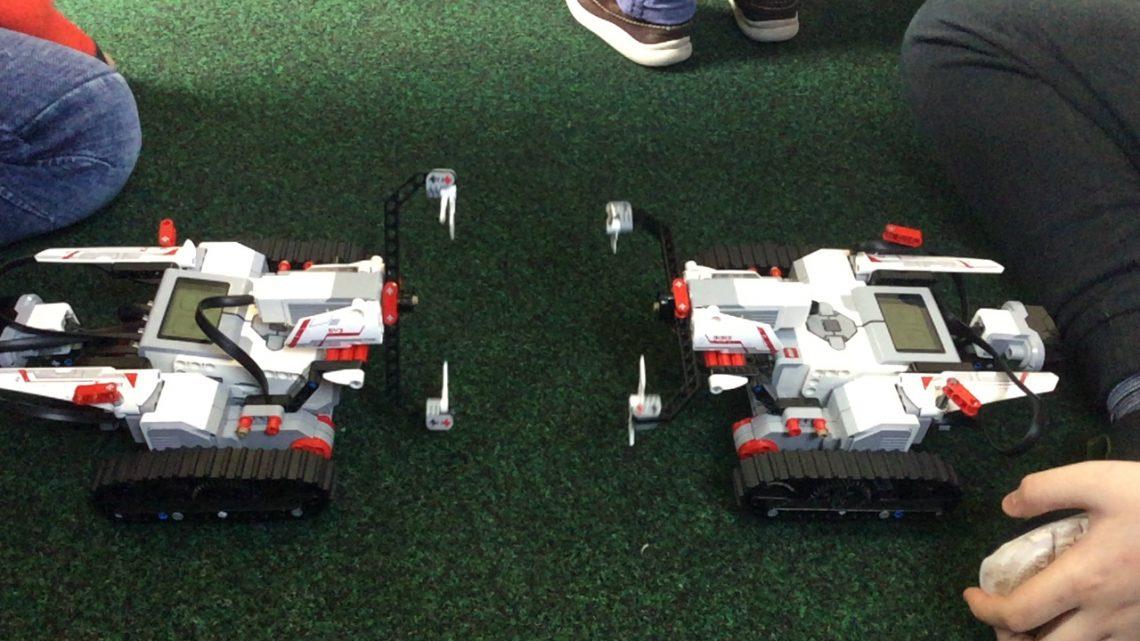 Robot Showdown in Hill Mountain